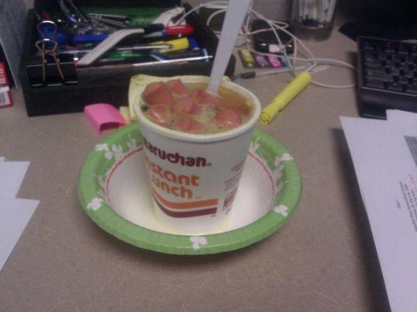 sad-desk-lunch-1