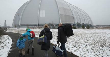 冬天時來到德國這個巨型建築,裡面就是會讓你想要永遠定居的完美天氣「比基尼小島」!