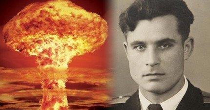 他曾經拯救全世界免於核彈毀滅,但他的國家死都不想讓人知道這段歷史!
