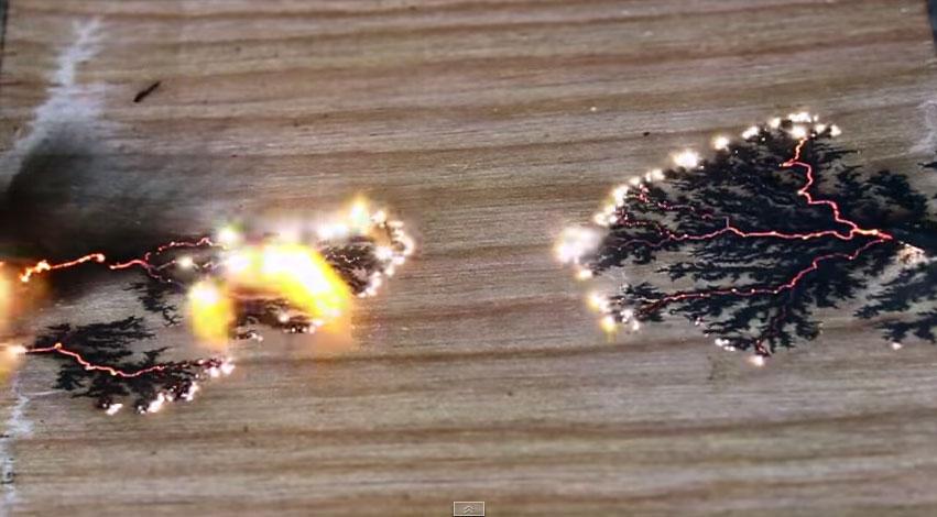 這個人在木頭上製造出雷電,過程酷到我說不出話了!