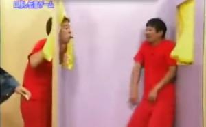 日本節目要挑戰者用嘴傳東西並猜出內容。當你看見題目時,你就會需要一個嘔吐袋...