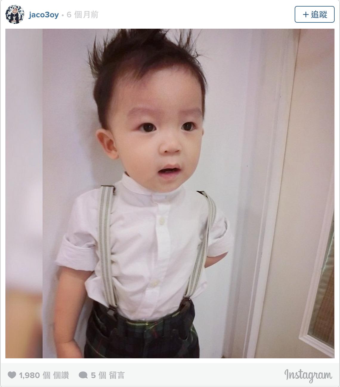 這個才23個月大的小男孩可能是下一個時尚指標,隨便穿搭好看到連模特兒都會覺得慚愧!
