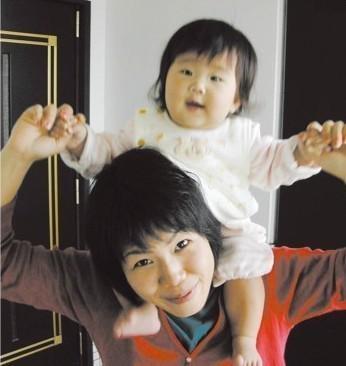 這位小妹妹才5歲就包辦了一切家務事,背後感人的故事讓她在中國真的感動了13億人!