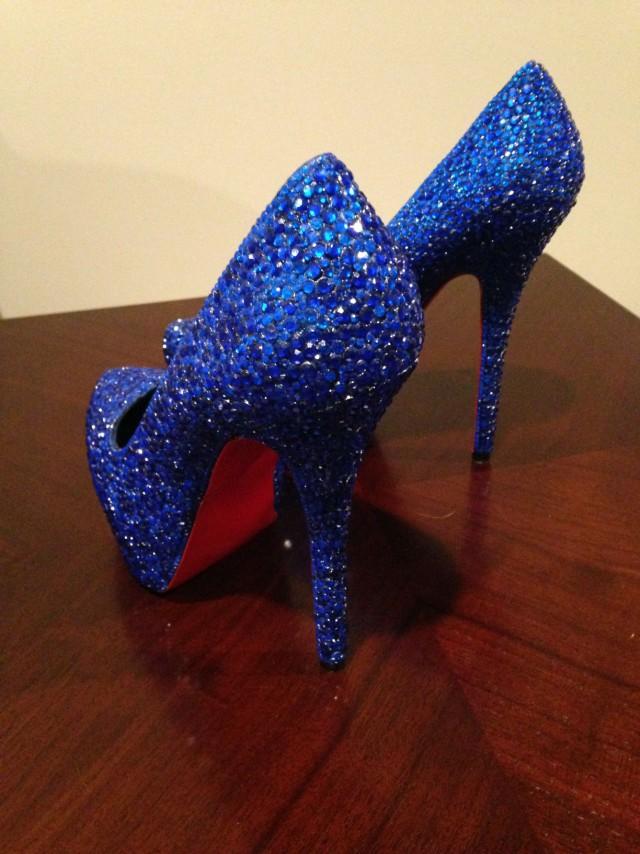 當你正要砸大錢買名牌時,她只花1200元就把700元的高跟鞋升級成18萬名牌鞋了!