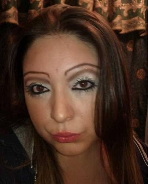 21個因為「眉毛太瘋狂」應該要被逮捕的爆炸眉毛人。