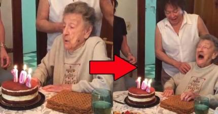 102歲的老奶奶在慶生吹蠟燭的那一刻,嘴裡噴出的東西讓全家人爆笑了整整一小時!