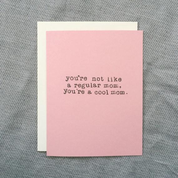 16個讓媽媽看完會笑到眼睛不見的母親節卡片,#4讓我忽然流冷汗,但又覺得溫馨!