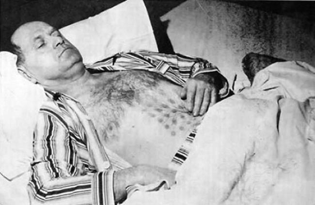 這名男子闖進了不明飛行物後身體嚴重不適,但卻清楚描述了裡頭的奇幻樣貌!