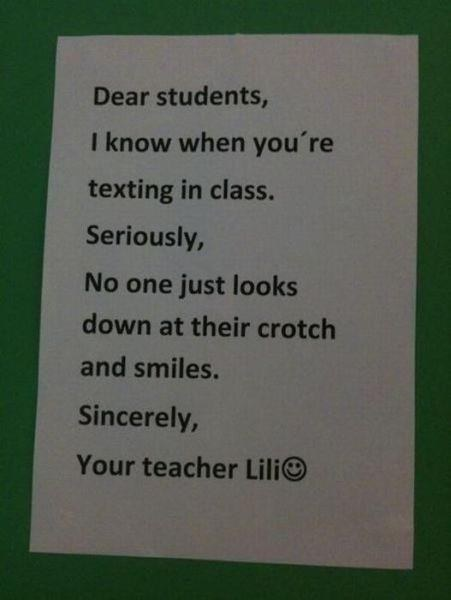 31個「比學生還要調皮」的天才老師 又忘記帶筆?這支羽毛你拿去寫吧