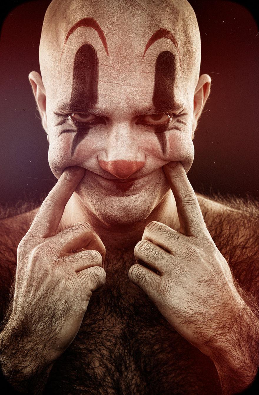 看完這21張小丑照片後你就不需要吹冷氣了...因為每一張都會讓你看得心底發寒啊!