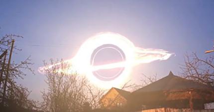 這就是「如果宇宙星系和黑洞都離地球超近」時會出現的絕美魔幻模樣!