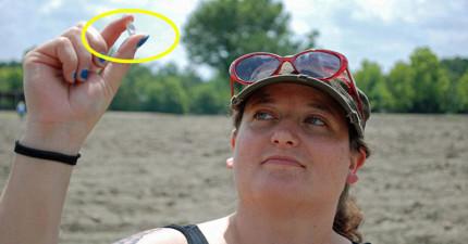 我連鑰匙都常常找不到了,這名女子卻在公園只花了20分鐘就找到了8.52克拉鑽石!