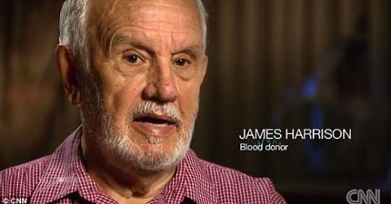 這名78歲的老爺爺這麼多年來用他的「黃金手臂」拯救了200萬條小生命!