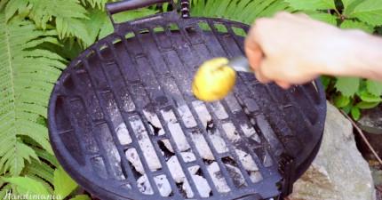 在看過他把馬鈴薯塗抹在烤網架上,你以後烤肉時也都一定會這麼做!