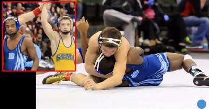 這名高中生努力為了罹癌老爸贏得摔角冠軍,沒想到落敗的對手突然起身做了讓人驚訝落淚的舉動。
