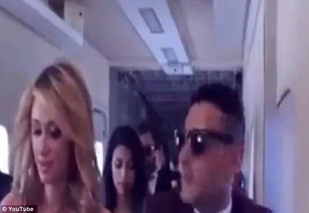 名媛芭黎絲登上埃及飛機,不料飛機開始下墜還將乘客甩出空中,死亡就在眼前...