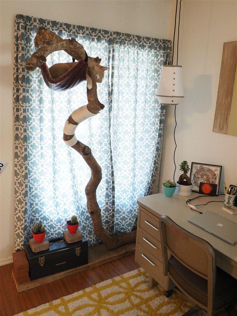 網友撿到這根樹枝以後,就把它變成我看過最酷的「五星級遊樂園飯店」!