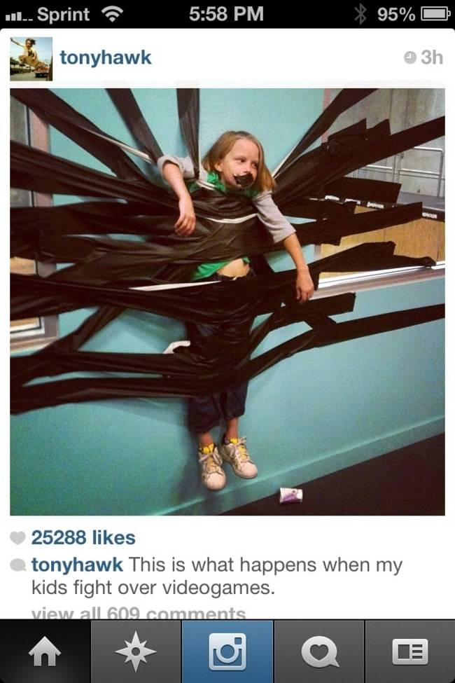 10個在網路世界公然徹底摧毀兒女的超爆笑爸媽。