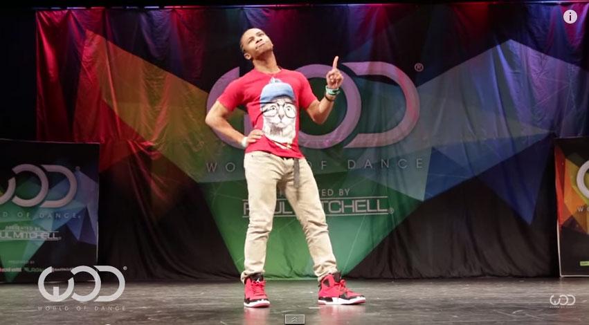這個男生跳舞的時候好像受到電波干擾一樣,居然會跳出這麼瘋狂的舞步!