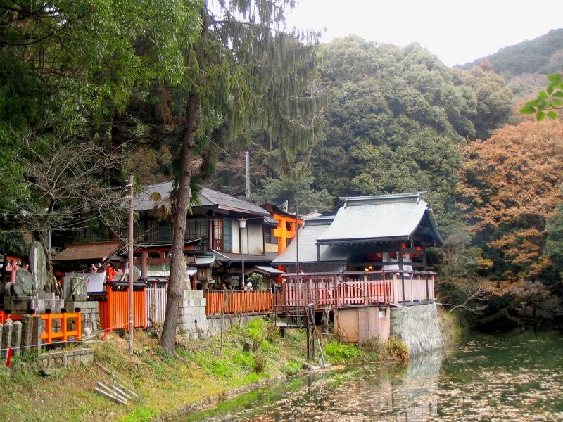 去日本神社前一定要先聽過這些鬼故事,否則搞不好會迷路被神明殺掉?!