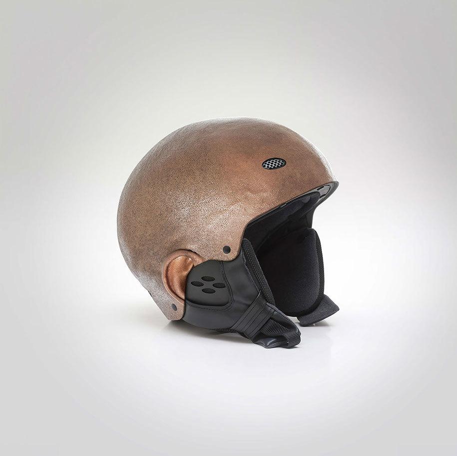 這個設計師要你以後騎機車撞車時,用自己的頭去擋!