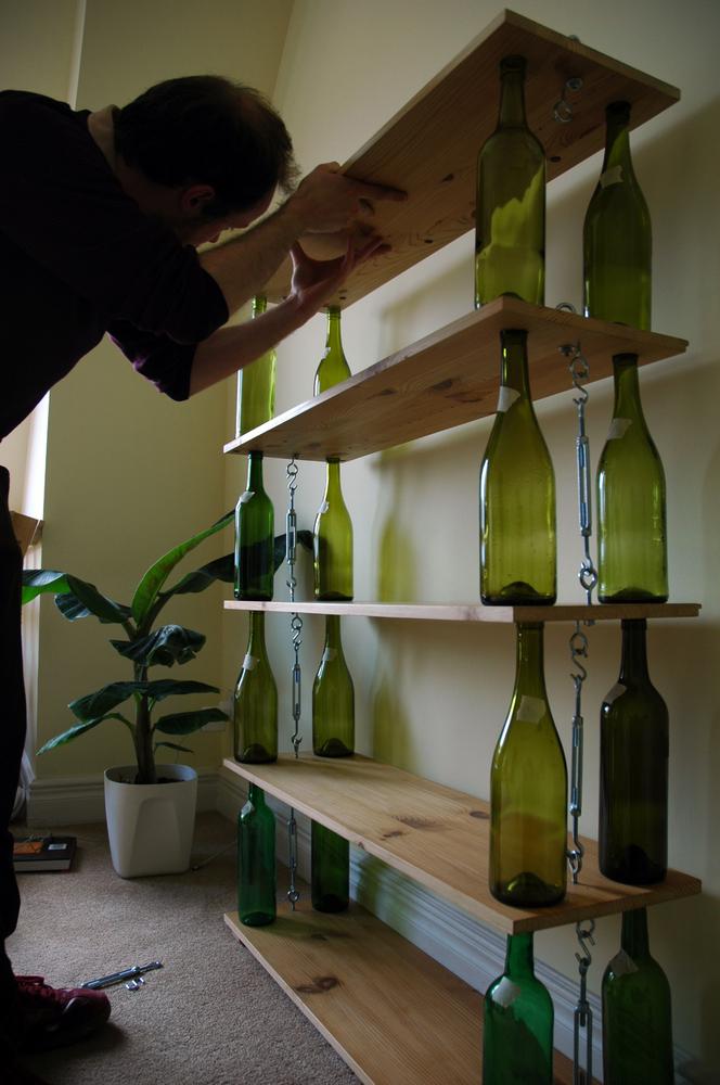 14個酒瓶改造法讓你把廢棄酒瓶簡單變成「家中最高級的裝飾品」!