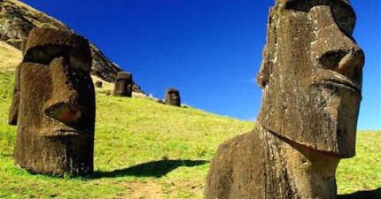 考古學家終於把復活島的神祕雕像挖起來,發現到他們居然...還不是光著屁股呢!