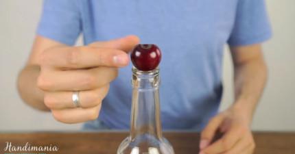 只要學會這招,你以後吃櫻桃就不用一直需要把籽給吐出來了!(好醜喔!)