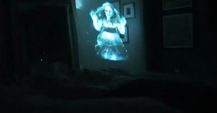 男友利用投影讓真實女鬼出現在睡著的女友前面,結果我想這男友現在應該已經死了吧?