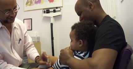 當小朋友打針超痛正要哭時,神奇醫生做的一件事情居然就讓他開心咯咯笑!