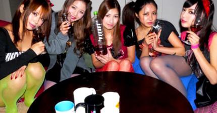 他們隱瞞5名日本辣妹讓她們喝下了由大便精釀的「糞酒」,結果她們的反應...