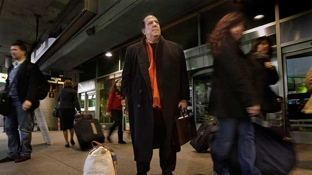 這名男子付了高額買下終身免費機票,最終航空公司卻用超瞎理由終止他的終身機票!