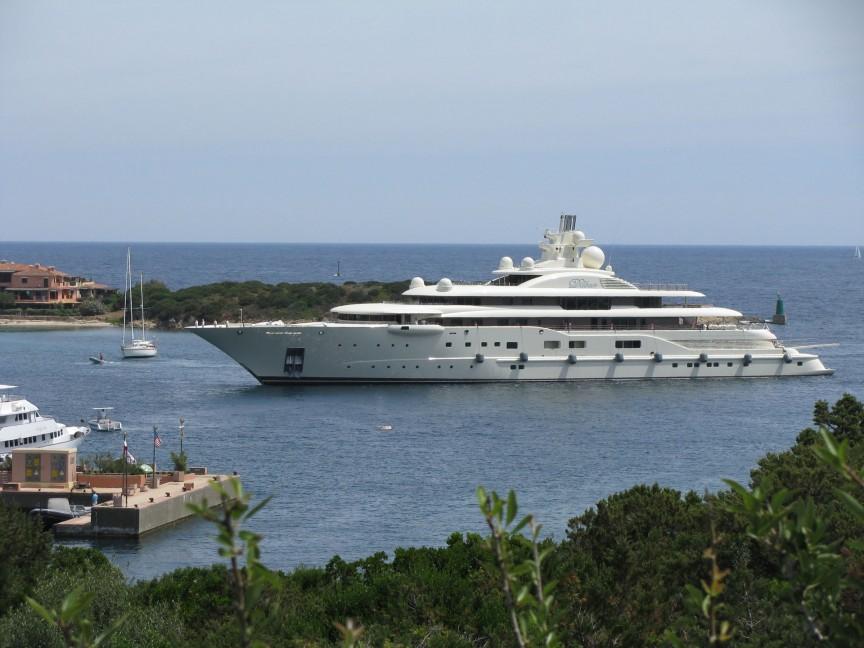 10艘「一般富豪想買但還買不起」的頂級郵輪。#1根本是個應有盡有的海上城市了!