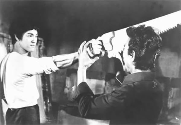 This scene was removed from the film, The Big Boss, because it was deemed too violent.