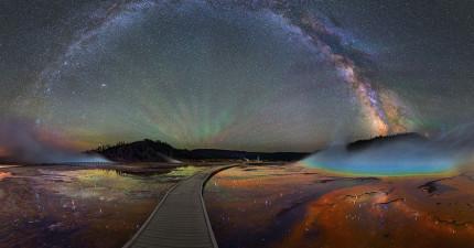 攝影師花了4個月在黃石公園用特別的方法拍攝银河系,結果太震撼人心了!