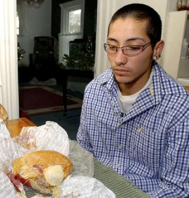 9個人們在食物中曾發現過的最噁心食物,看完我瞬間覺得胃口消失了。