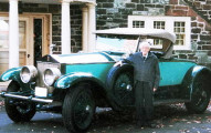 這個老人家和他開了77年車的故事比大多數我知道的愛情故事還要浪漫!