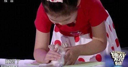 這名中國5歲女神童能與動物溝通?竟在節目直播中瞬間催眠5隻不同動物!