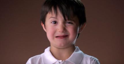 這群小孩第一次吃純黑巧克力的慢動作表情,讓我笑到隔壁同事都想知道我到底看了什麼影片!