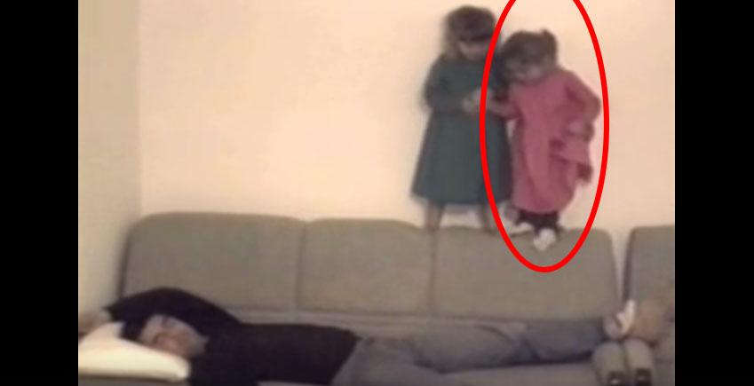 兩個小女生私下決定不要再多一個弟弟妹妹後,做的事情會讓全天下的男人同時痛到尖叫!