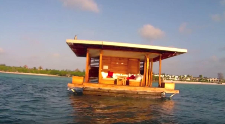 這間水上度假村最酷的不在水上,而是水底下「海龍王等級」的極致奢華體驗!