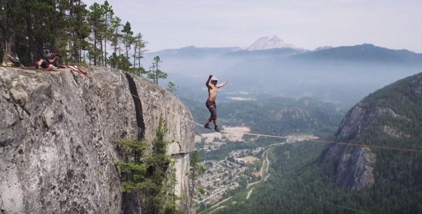 如果你心臟不夠強的話,請真的不要看這支超瘋狂走繩影片。