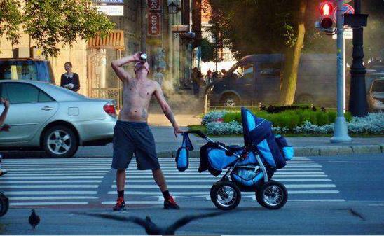20個「根本不應該生孩子」的超失敗父母