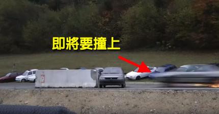 當這台車被另一台時速200公里的車子撞上時,景象真的太爆炸恐怖了!