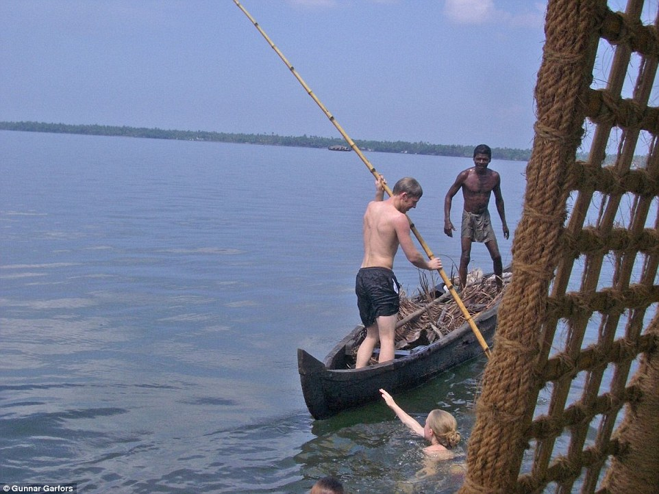 2B1E784E00000578-3185929-Helping_out_Garfors_said_he_tried_his_hand_at_boating_in_Kerala_-a-63_1438783901904
