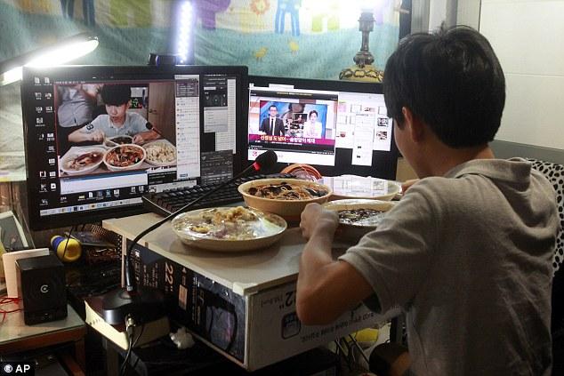 這名14歲韓國男孩「光靠大吃大喝」,一天賺的就可能比你月薪還高!