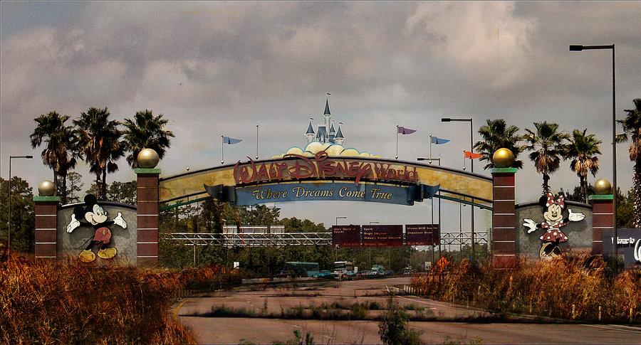 在世界真的毀滅後,這就是迪士尼樂園的殘破黑暗模樣!