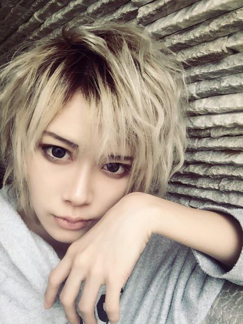 這位日本女藝人的超犯規外貌會「帥到讓你開始懷疑自己的性向」!