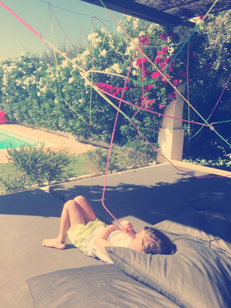 Dad-builds-longest-crazy-straw-for-daughters-birthday.3__880