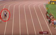 奧運雙料冠軍Mo Farah因為比其他參賽者快太多了,比賽到一半還跑到旁邊喝水降溫!